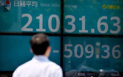 La Bolsa de Tokio cayó más de 5% tras suspensión de viajes de Europa a EE UU