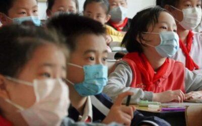 La OMS recomienda el uso de mascarillas para los niños a partir de 12 años de edad