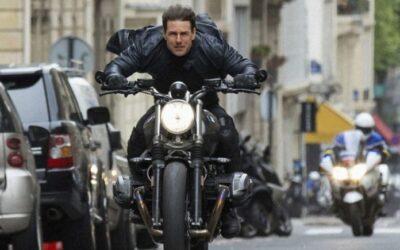 Tom Cruise reanuda el rodaje de Mission: Impossible 7 saltando al vacío en moto