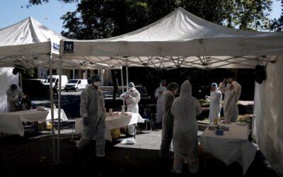 Más de 910.000 muertos por coronavirus en el mundo