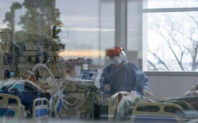 El Gobierno confirmó 43 nuevas muertes por coronavirus