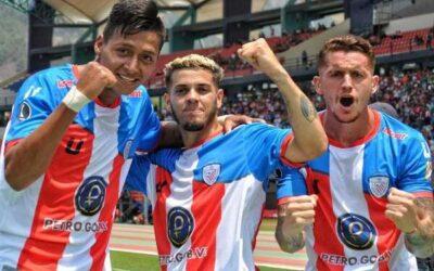 Ganó y alcanzó a Boca: Caracas venció a Independiente Medellín en un show de goles