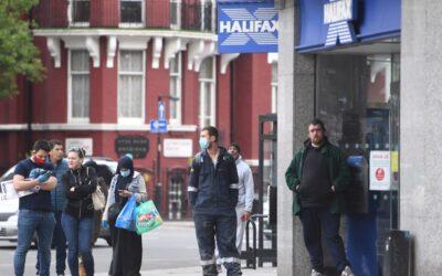 Londres advierte de posible retorno del confinamiento en toda Inglaterra