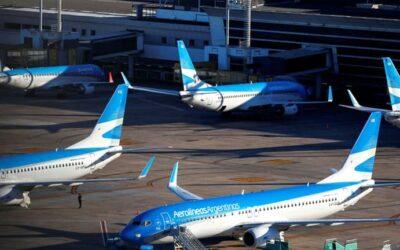 El ministro de Transporte, Mario Meoni, confirmó que en dos semanas volverán los vuelos comerciales