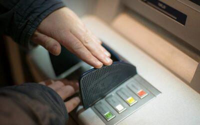 Habrá cajeros automáticos que dispensarán en dólares a partir de noviembre en Venezuela