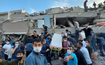 Un terremoto de 6,7 grados sacudió la isla griega de Samos: hubo un tsunami en el Mar Egeo y replicó en Turquía