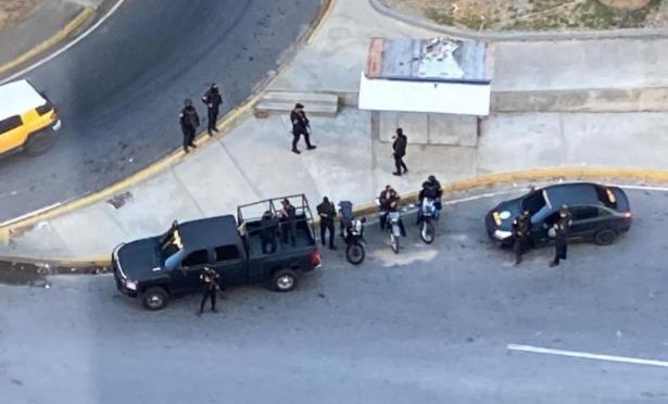 Fuerzas de la dictadura de Nicolás Maduro toman las inmediaciones de la residencia del presidente interino, Juan Guaidó
