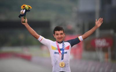 Carapaz engrandece los Juegos Olímpicos al proclamarse campeón de ciclismo en Fuji